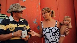Olhe para mim de novo, ganó el Premio TeleSur en el Festival Internacional del Nuevo Cine Latinoamericano de La Habana.