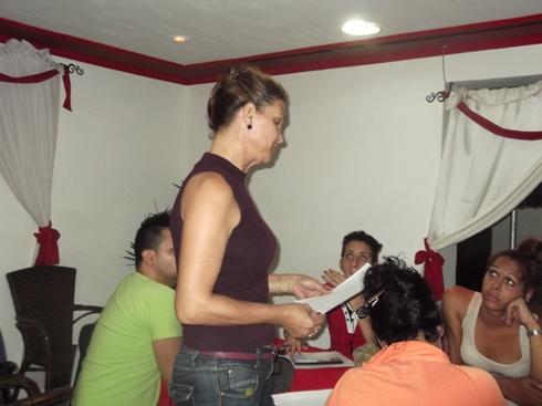 Angely durante el taller