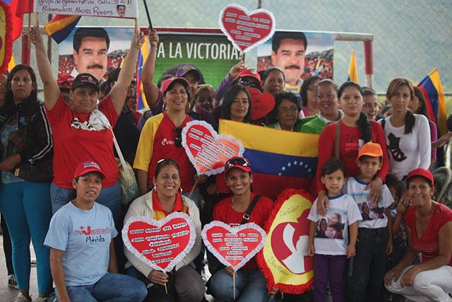 Se incorporan 629 personas a la Misión Madres del Barrio. Mérida, septiembre de 2013.