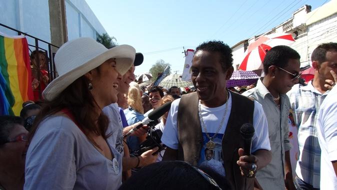 Cándido Fabré estrenó una canción dedicada a la diversidad sexual.